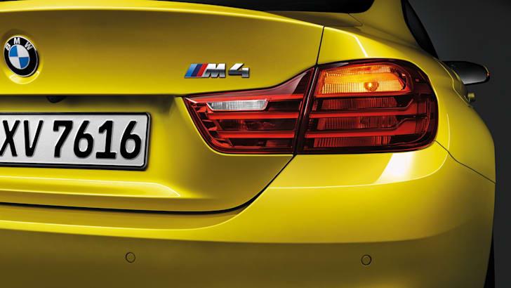 BMW M4-15