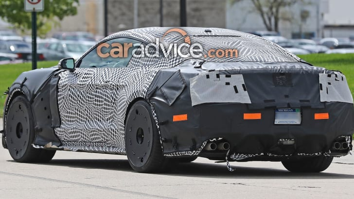ford-mustang-shelby-gt500-spy-4-rear