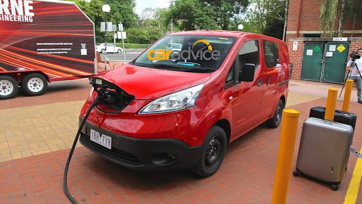 Nissan-e-NV200-1