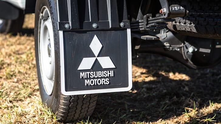 2016 Single-cab ute comparison Isuzu D-Max SX Mazda BT-50 XT Mitsubishi Triton GLX Nissan Navara DX Toyota HiLux Workmate-326