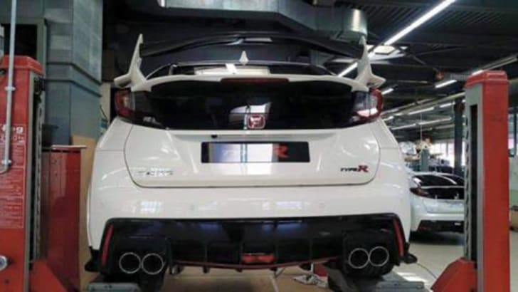 honda-civic-type-r-uncovered-rear