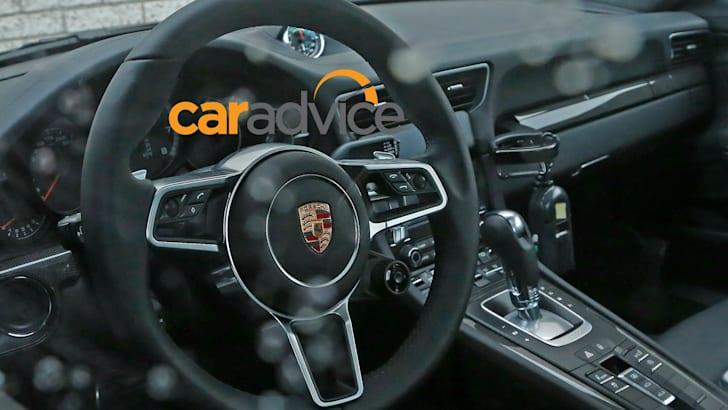 2016 Porsche 911 Turbo_03
