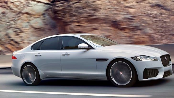 jaguar-xf-highway