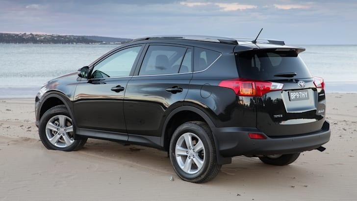 2014 Toyota RAV4 : prices up, equipment added, manual models