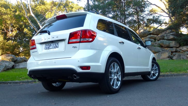 2014-Dodge-Journey-RT-5