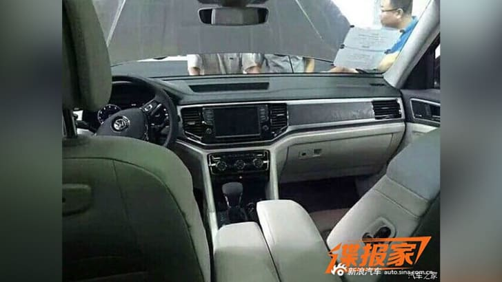 volkswagen-teramont-china-interior