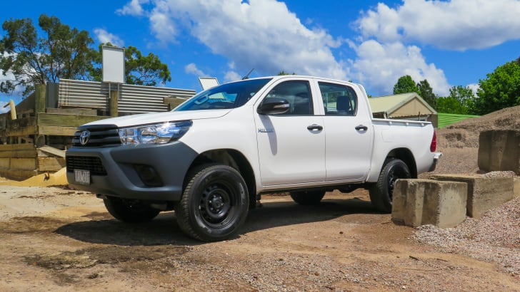 toyota-hilux-workmate-nov-2015-32