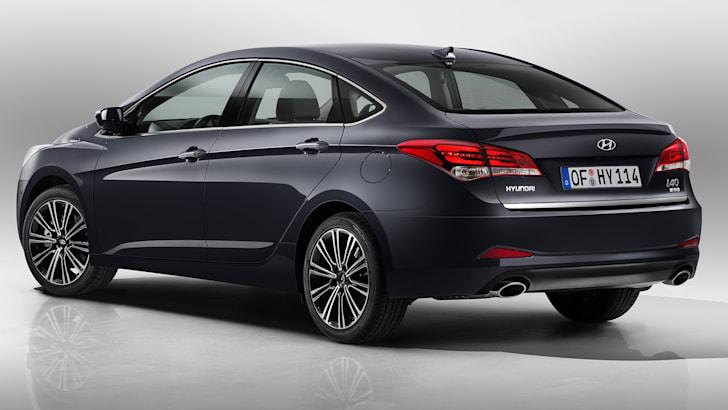 hyundai-i40-sedan-rear