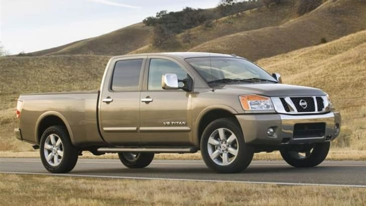 2008-nissan-titan-side-view