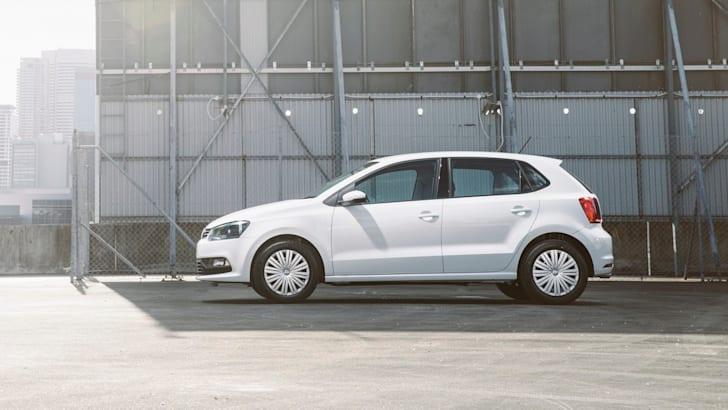2015 Volkswagen Polo_36