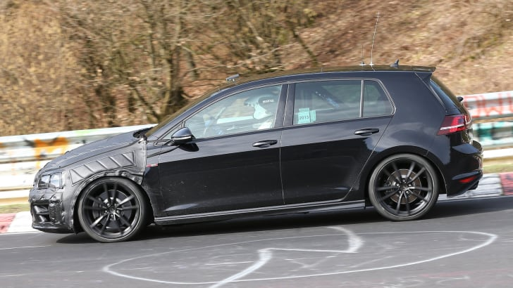 VW Golf R spy 1