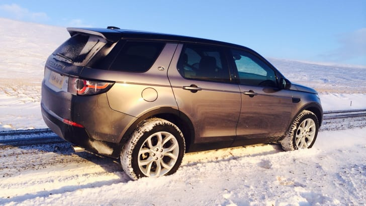 Land Rover Discovery Sport sun profile
