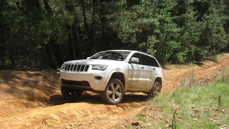 2013-Jeep-Grand-Cherokee-Overland-4