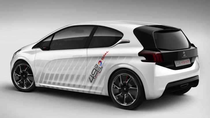Peugeot-208-Hybrid-2