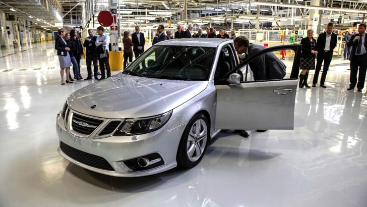 Saab resumes production - 4