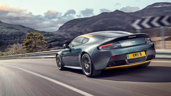 Aston-Martin-V8-Vantage-N430-4