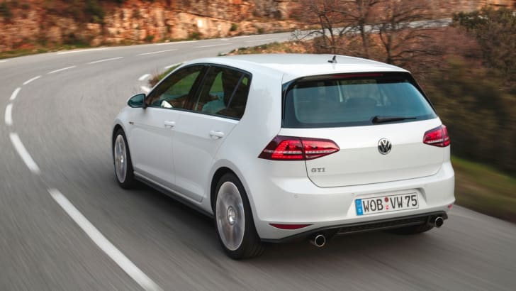 Volkswagen-Golf-GTI-6