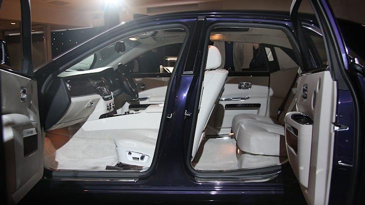 Rolls-Royce-Ghost-side-door