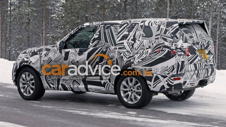 2017_land-rover_discovery_spy-photos_04