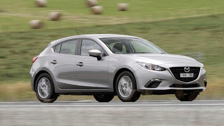 2014 Mazda 3 Hatch - Driving 2