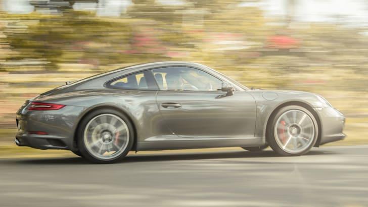 2017-Porsche-911-Carrera-S-Review - 1