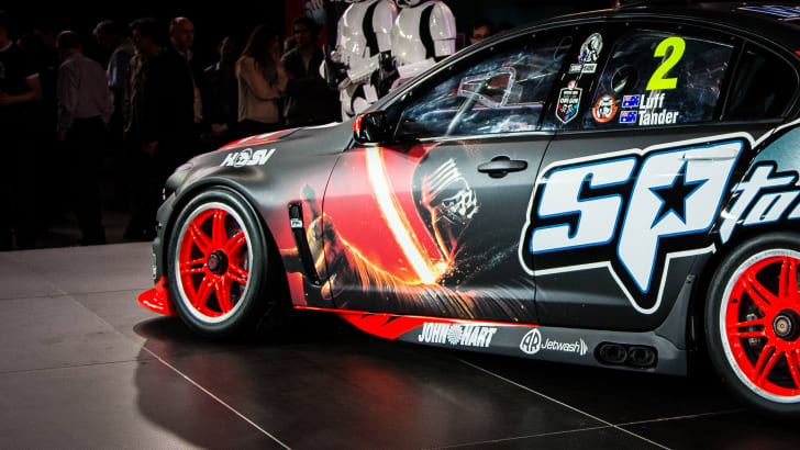 2015-holden-hrt-v8supercar-starwars-19