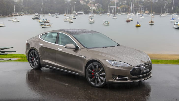 tesla-models-p85d-aug2015-7