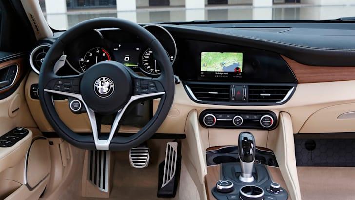 2016 Alfa Romeo Giulia Super pics - 23