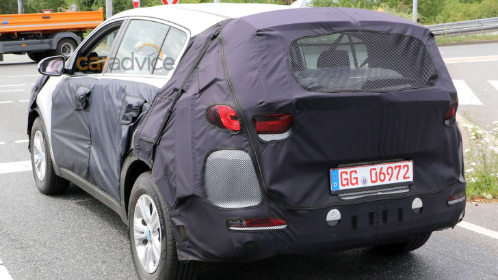 kia-sportage-spy-4-rear