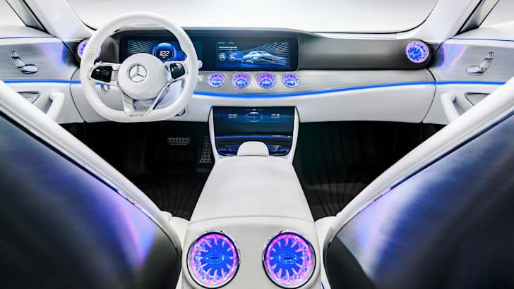 Mercedes-Benz Concept IAA_8