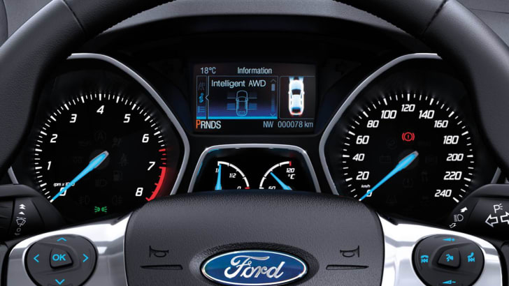 2016_ford_kuga_ambiente_02