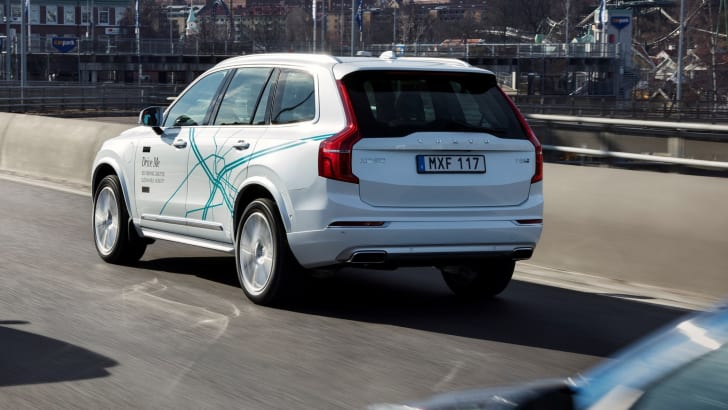 volvo-autonomous-vehicle-02