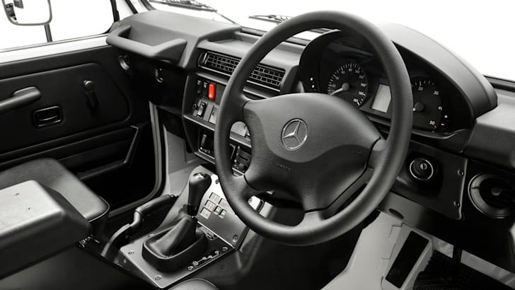 2017 Mercedes-Benz G300 G-Wagen_06