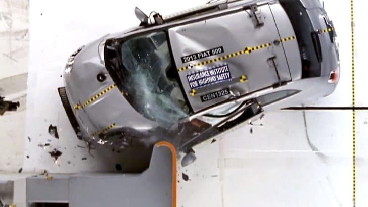 fiat-500-iihs-crash