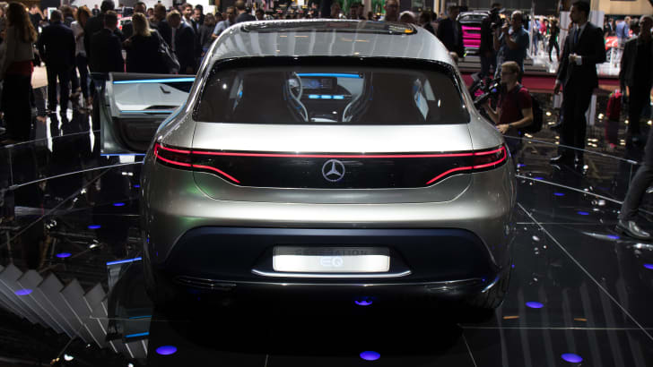 2016-paris-mercedes-eq-5
