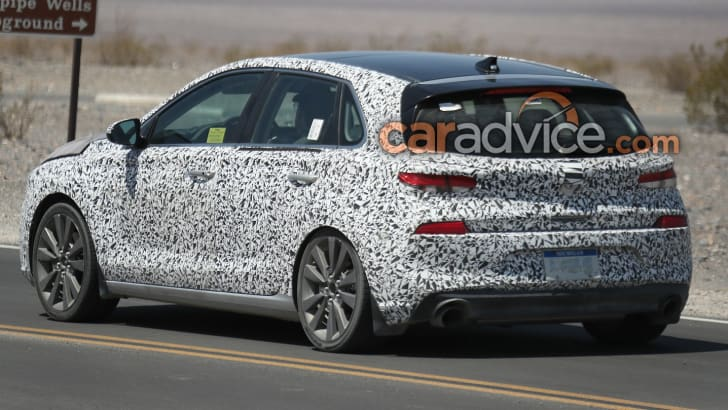 2017_hyundai_i30_spy-photos_inside-and-out_05