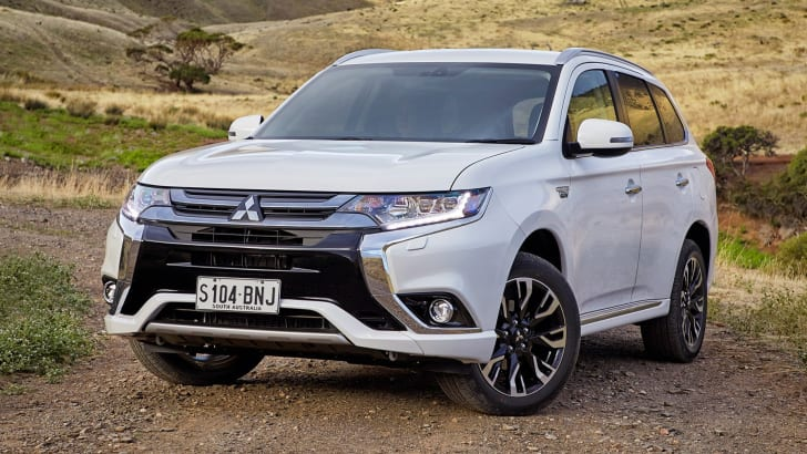 2017_mitsubishi_outlander-phev_australian-launch-review_3