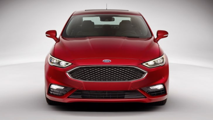 2016-Ford-Fusion-Mondeo-3