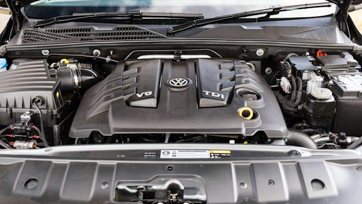 2017-ford-ranger-xlt-v-volkswagen-amarok-v6-101