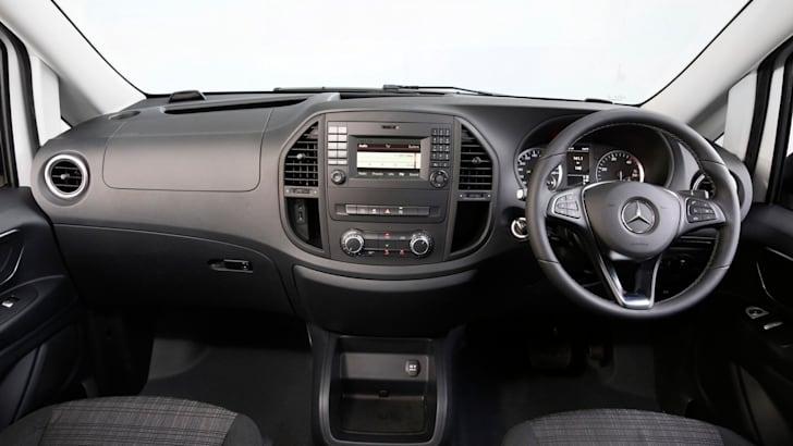 2015 Mercedes-Benz Vito_50