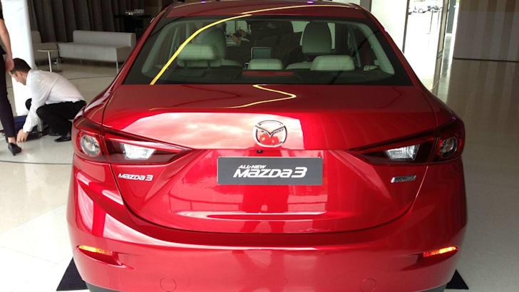2014 Mazda 3 sedan12