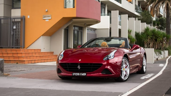 2015-ferrari-california-T-speeddate--1