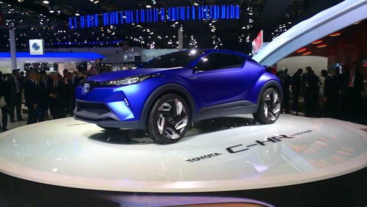 Toyota C-HR Paris_1