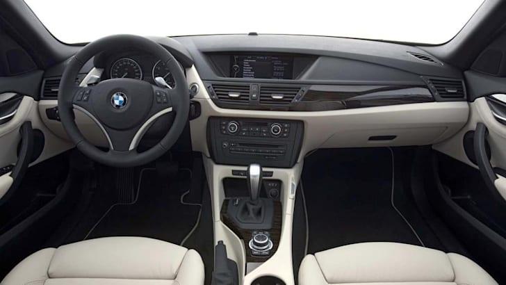 BMW-X1-16-1
