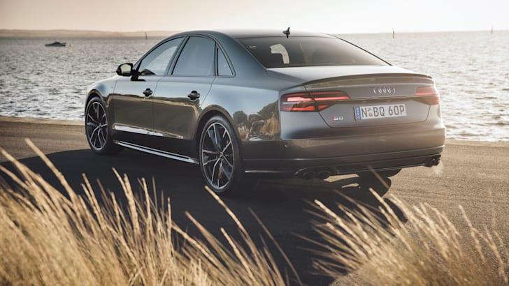 2016-Audi-S8-Plus-10