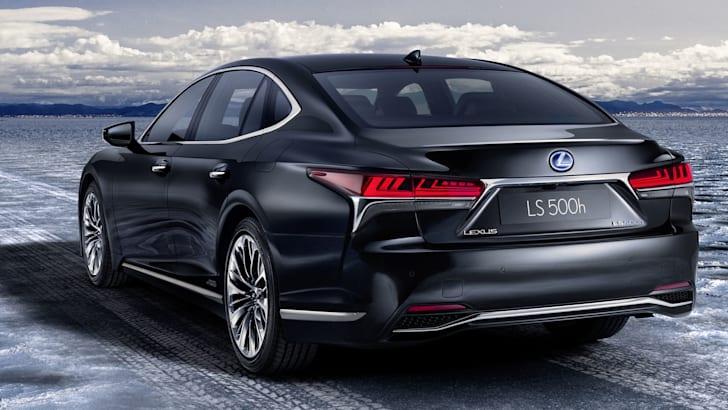lexus-ls500h-rear