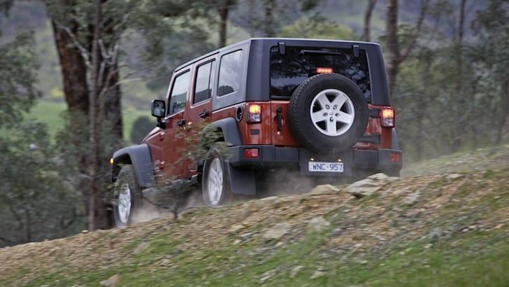 2009_Jeep_Wrangler_003