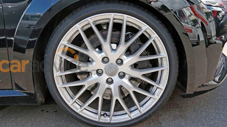 audi-tt-rs-mule-4-wheel
