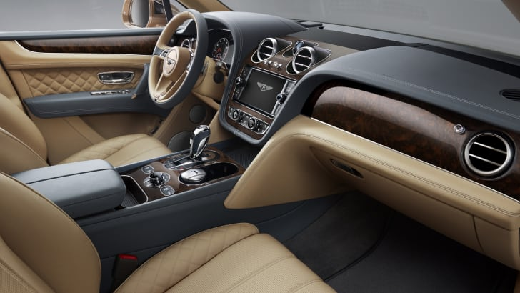 2016_bentley_bentayga_official_15