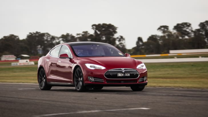 2015-tesla-model-S-p85D-v-v8-supercar-v-walkinshaw-w507-race-63